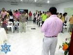 Ken enseña en Ministerio Puerta de Esperanza -  Feb 11 de 2012